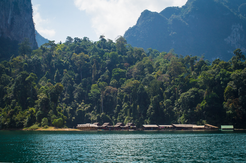 khao sok floating village