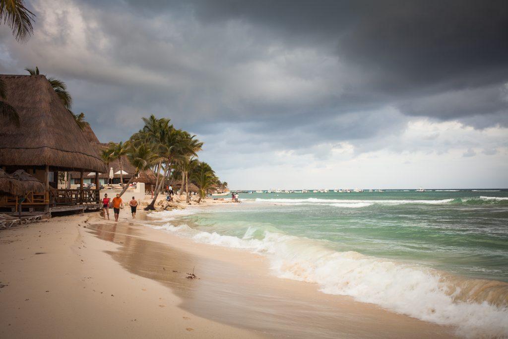 playa del carmen stormy